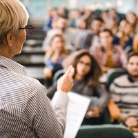 4 Ways to Connect with Your Lecture Professor