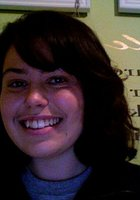 A photo of Nicole, a tutor from University of Oregon