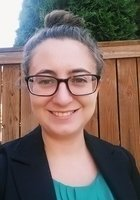 A photo of Julie, a tutor from Linfield College