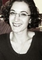 A photo of Theresa, a tutor from Eastern Connecticut State University