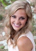 A photo of Mackenzie, a tutor from University of Oregon