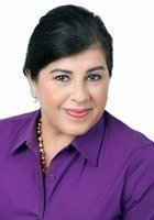 A photo of Miriam, a Finance tutor in Miami Beach, FL