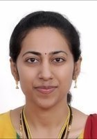 A photo of Rashmi, a tutor from Wilson College