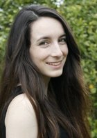 A photo of Eliza, a tutor from Bowdoin College