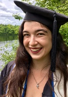 A photo of Leah, a Spanish tutor in Cranston, RI
