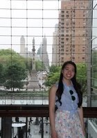A photo of Phi, a tutor from Mount Holyoke College
