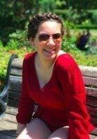 A photo of Juliana, a tutor from University of Oregon