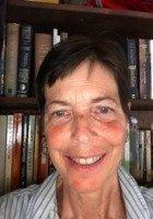 A photo of Nina, a tutor from University of California-Irvine