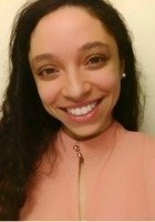 A photo of Allyson, a tutor from Amherst College