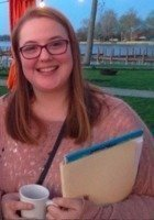 A photo of Julia, a tutor from Denison University