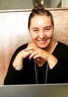 A photo of Arianna, a tutor from Oberlin College
